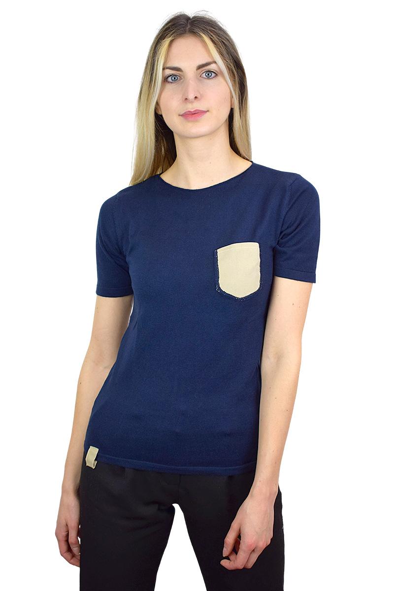 t-shirt blu con taschino beige cotone bio da donna3